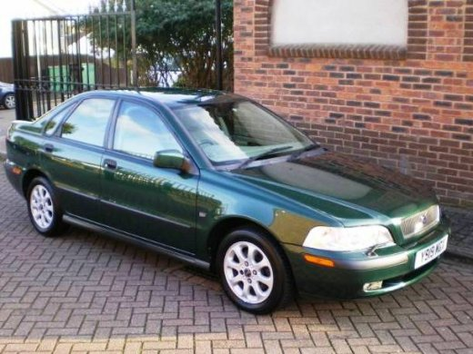 2002 VOLVO S40 2.0 Online Average Sale Price AUD$5,286