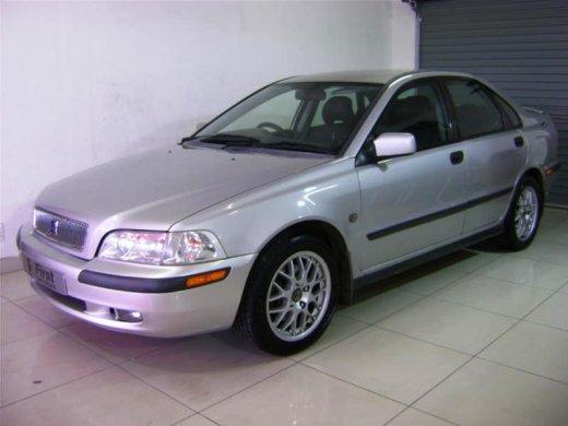 2003 VOLVO S40 2.0 オンラインの平均販売価格 NTD$108,000