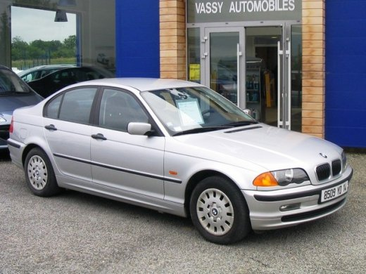 2000 BMW 318I (1895cc) Online Average Sale Price HKD$13,571