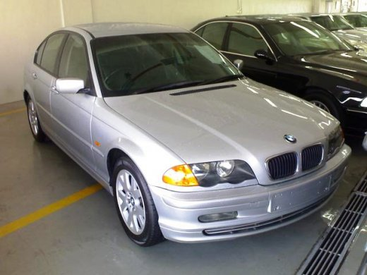 2000 BMW 318I 1.9 オンラインの平均販売価格 NTD$112,667