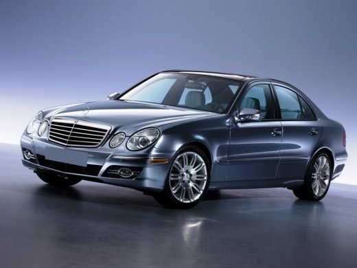 2004 MERCEDES-BENZ E320 Online Average Sale Price HKD$28,314