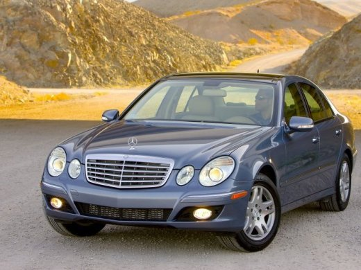 2003 MERCEDES-BENZ E320 Online Average Sale Price HKD$20,489
