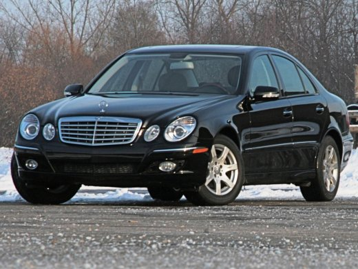 2005 MERCEDES-BENZ E320 Online Average Sale Price HKD$28,010