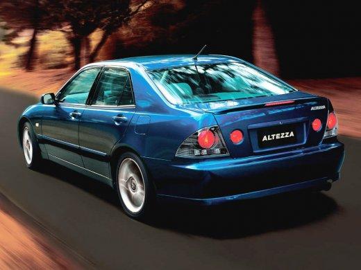 1998 TOYOTA ALTEZZA 網上放售平均價 HKD$17,000